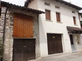 Foto - Casa indipendente frazione Stabie 56, Lentiai
