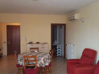 Foto - Trilocale buono stato, terzo piano, Guastalla