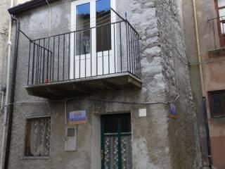 Foto - Casa indipendente via Contessa Adelasia, Collesano