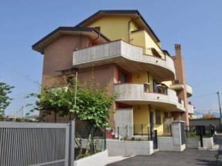 Foto - Trilocale via Calvi Fratelli, Bonate Sotto