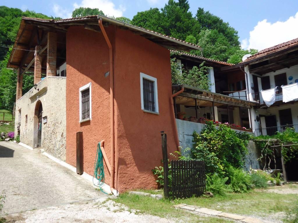 foto esterno Rustico / Casale frazione Viganallo, Cellio