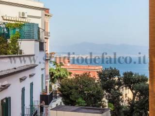 Foto - Trilocale buono stato, settimo piano, Vomero, Napoli