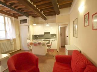 Foto - Trilocale via della Rosa 12, Centro Storico, Lucca