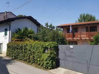 Foto - Casa indipendente via Ugo Foscolo, Borgnano, Cormons