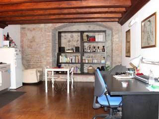 Foto - Bilocale via Leoncino 15, Centro Storico, Verona