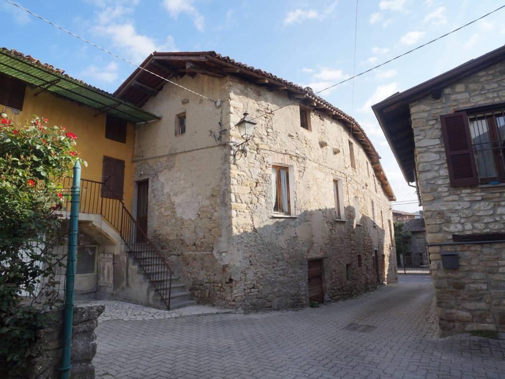 Borgo San Ponzo.Vendita Sasso In Frazione San Ponza Ponte Nizza Da