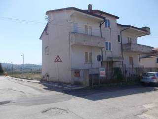 Foto - Palazzo / Stabile tre piani, Dugenta