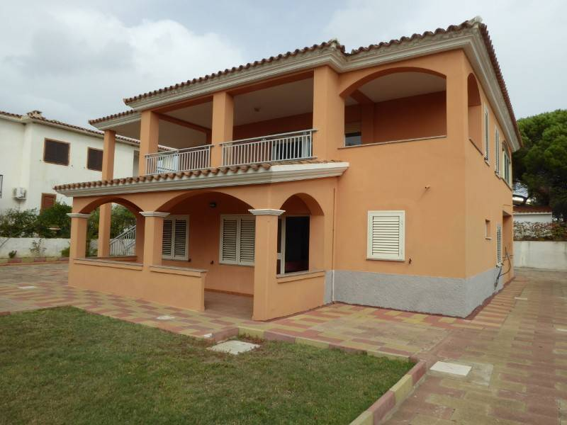 foto  Villa plurifamiliare viale San Giovanni 41, Posada