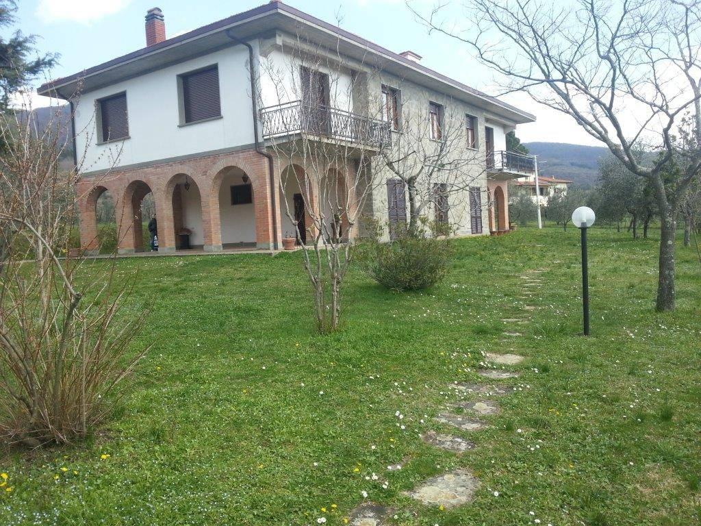 foto VILLA Villa unifamiliare Strada Comunale di Sercognano, Loro Ciuffenna