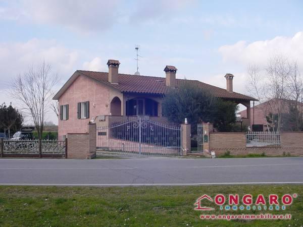 foto  Villa via Dazio, Ro