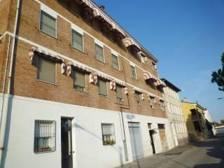 Foto - Trilocale ottimo stato, primo piano, Pontelagoscuro, Ferrara