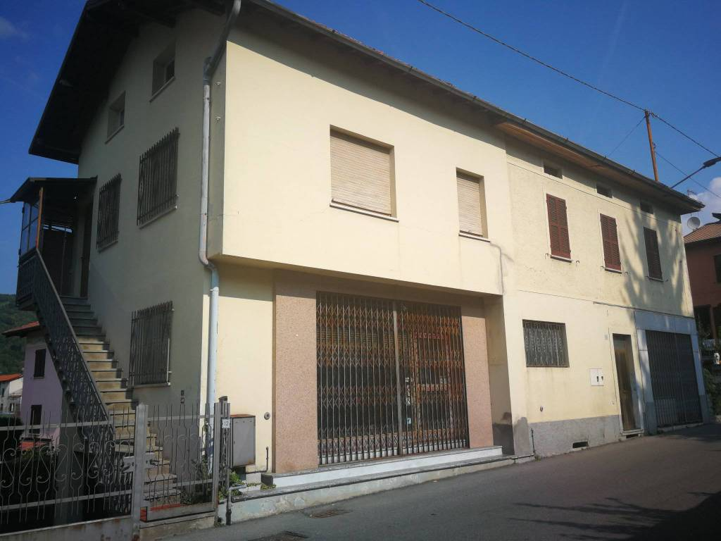 foto  Casa indipendente via Giacomo Matteotti 10, Laino