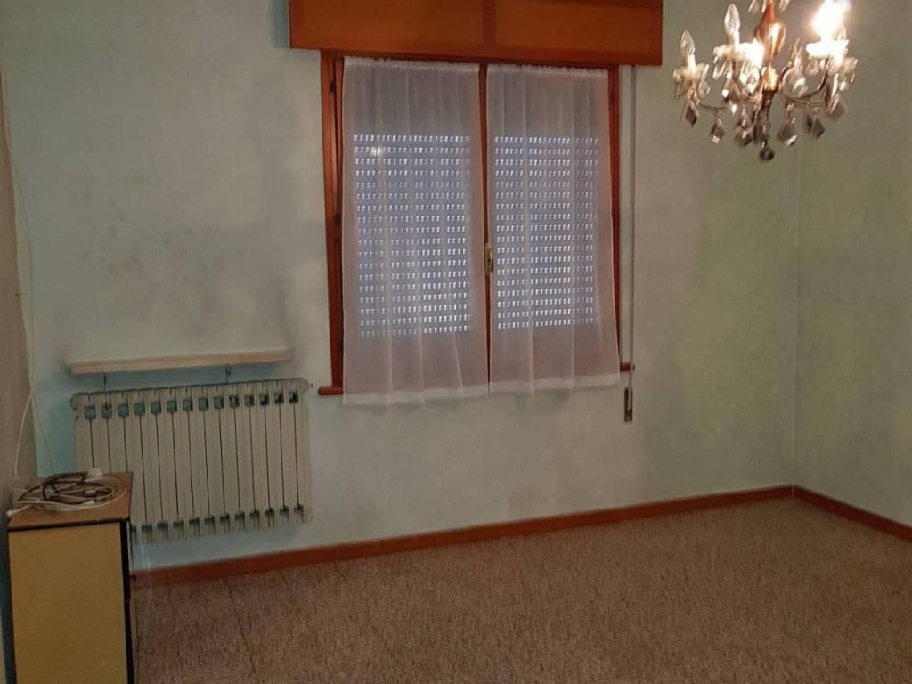 foto  Single family villa, good condition, 180 sq.m., Pomponesco