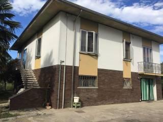 Foto - Villa unifamiliare via Armando Diaz, Nosedole, Roncoferraro
