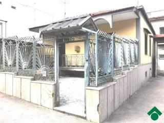 Foto - Casa indipendente 200 mq, buono stato, Frignano