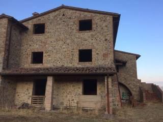 Foto - Terreno edificabile commerciale a Allerona