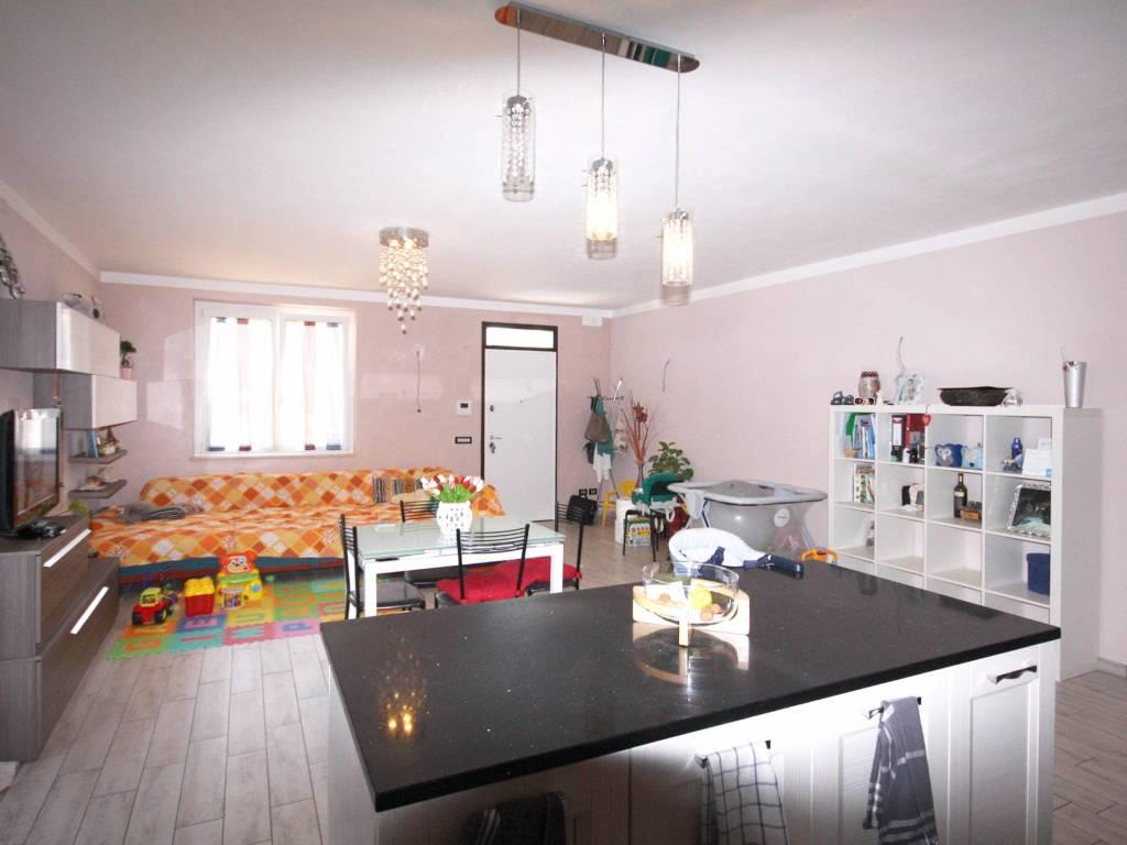 foto soggiorno cottura Villa plurifamiliare via Caravaggio 2, Roccafranca