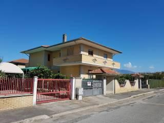 Foto - Villa via Giacomo Leopardi, Pontinia