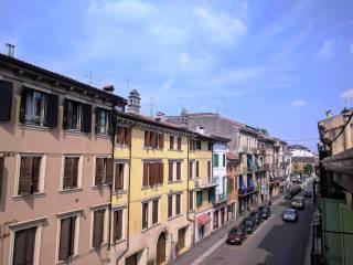 Foto - Trilocale via San Nazaro, Veronetta, Verona