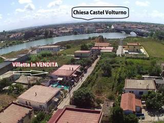 Foto - Villetta a schiera 5 locali, buono stato, Pineta Grande, Castel Volturno
