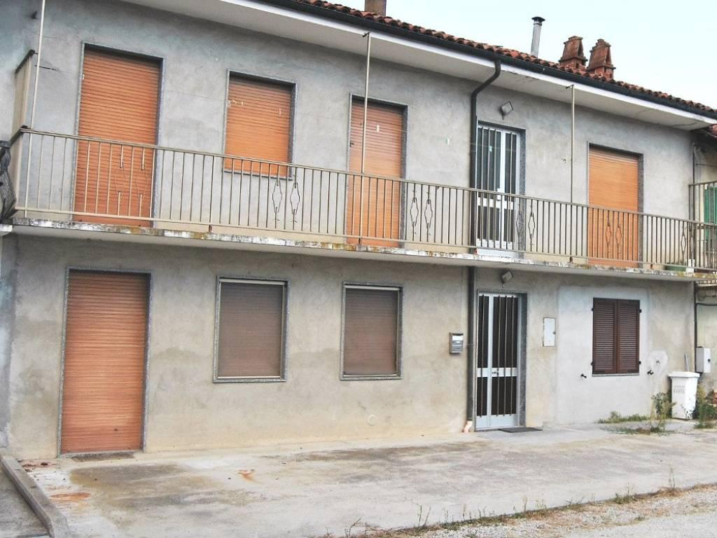 foto esterno Casa indipendente via San Giacomo 33, Montaldo Roero