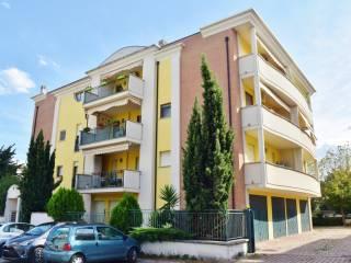 Foto - Trilocale via Monte Corvo, Ospedale, Pescara