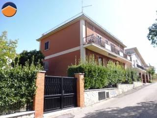 Foto - Trilocale via attilio regolo, 24, Passo Corese, Fara in Sabina