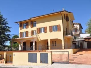 Foto - Trilocale via Alcide De Gasperi 9, Mondolfo