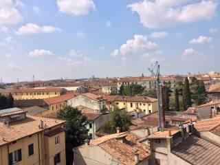 Foto - Quadrilocale ottimo stato, ultimo piano, Veronetta, Verona