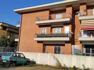 Foto - Quadrilocale via Francesco Ierace, Giardinetti, Roma