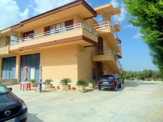 Photo - Apartment in villa Strada Provinciale  Chiaramonte, Comiso