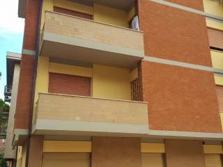 Foto - Trilocale via Ferdinando Magellano 49, Ferro di Cavallo, Perugia