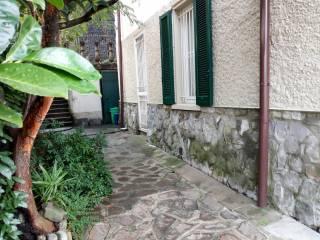 Foto - Bilocale via Giacomo Puccini, Maggianico, Lecco