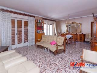 Foto - Appartamento buono stato, secondo piano, Viale Vittorio Veneto, Catania