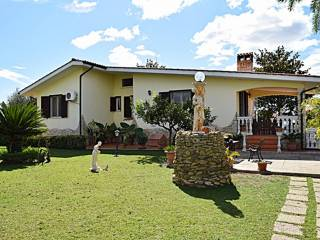 Foto - Villa via Valle del Canneto, Valcanneto, Cerveteri