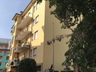 Foto - Trilocale da ristrutturare, ultimo piano, Boccaleone, Bergamo