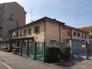 Foto - Bilocale via Alzaia Trieste 9, Corsico