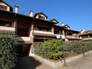 Foto - Trilocale via Corbettina 13, Bareggio