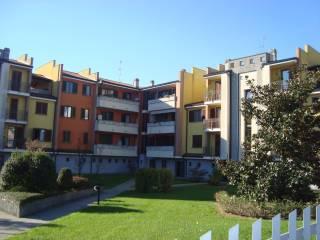 Foto - Bilocale via Giosuè Carducci 6, Casalmaiocco