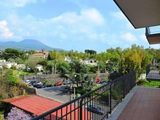 Foto - Appartamento via II Tratto Immacolata, Portici