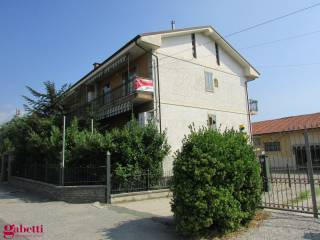 Foto - Quadrilocale Strada Borgo San Martino, Pollenzo, Bra