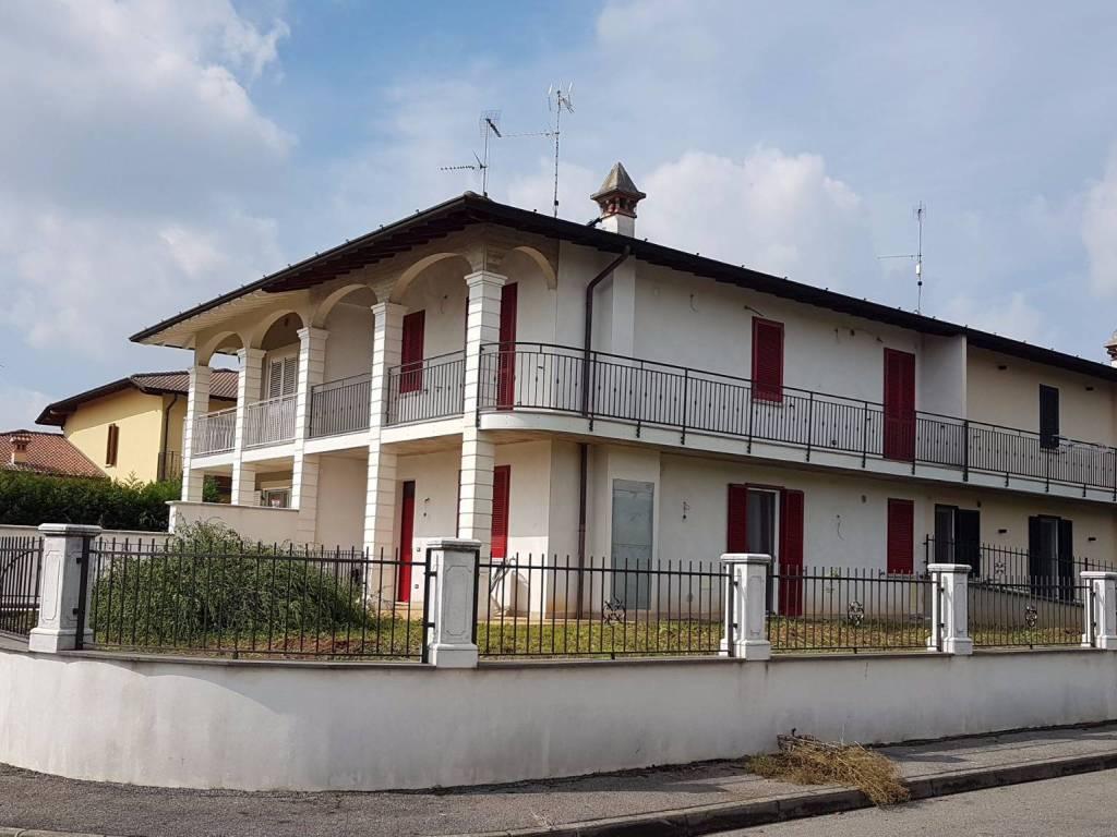 foto esterno Villa via Caravaggio 2, Roccafranca