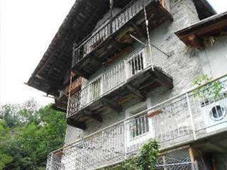 Foto - Casa indipendente 110 mq, da ristrutturare, Fontainemore
