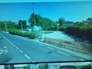 Foto - Terreno edificabile commerciale a Montesarchio