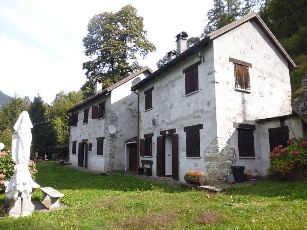 foto  Rustico / Casale frazione Crego, Crodo