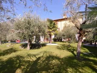 Foto - Quadrilocale via Borgo Nuovo 20, Marone