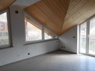 Foto - Trilocale buono stato, terzo piano, Dego