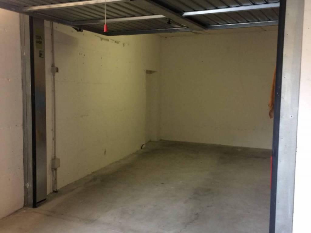 foto  Car box / Garage 19 sq.m., Crema