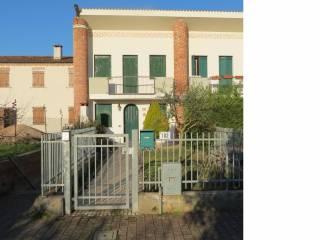 Foto - Villetta a schiera via Castello, Bevilacqua