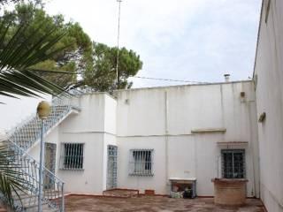 Foto - Palazzo / Stabile, da ristrutturare, Campi Salentina